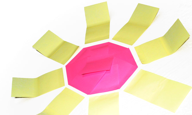 soleil fait en post-it